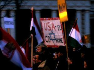Ulrike Lunacek was right. There were antisemitic posters carried by the peace marchers.