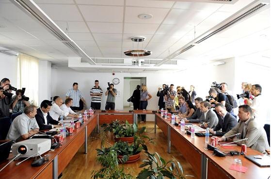 The MSZP and Együtt 2014-PM negotiating team / MTI, Photo Lajos Soós