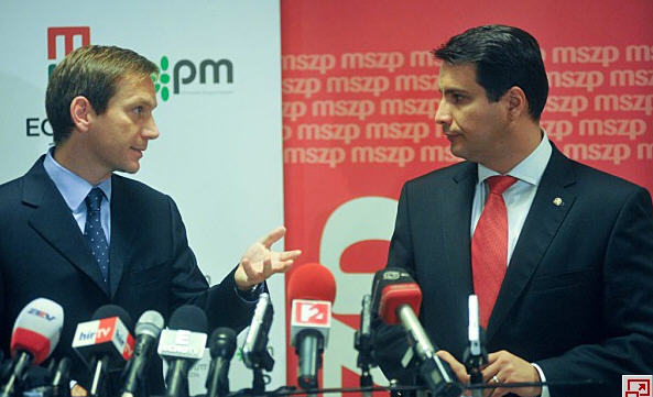 Gordon Bajnai and Attila Mesterházy at today's press conference Source: Népszava