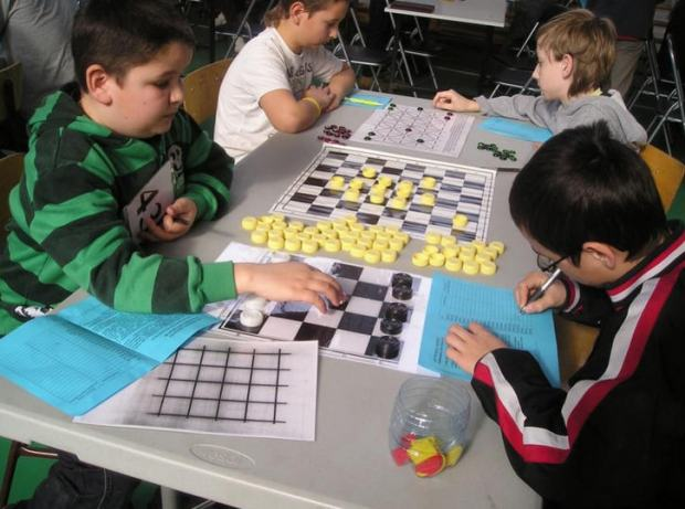 The children playing interactive games in Hejőkeresztúr  elementary school