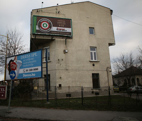 the infamous billboard on Budaörsi út / Index
