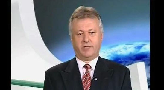 Ferenc Szaniszló on the set of his program on Echo TV